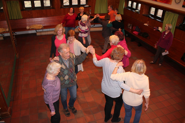 tanzende Senioren