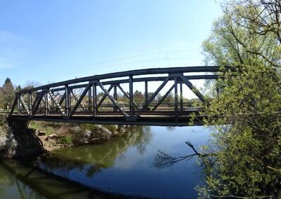 Alberta Holzer - Eisenbahnbrücke über Regnitz